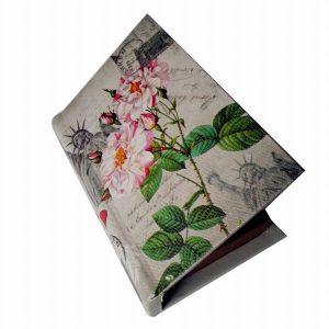 кожена кутия с цветя