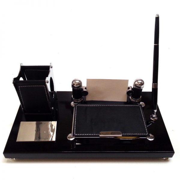 Черен органайзер за бюро с химикал