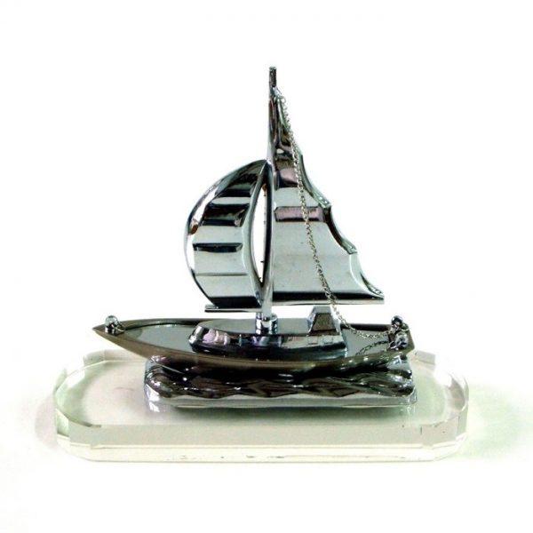 фигура яхта метал