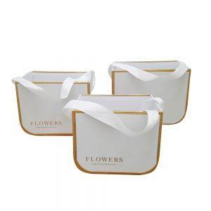 чанти за аранжировки с цветя бели