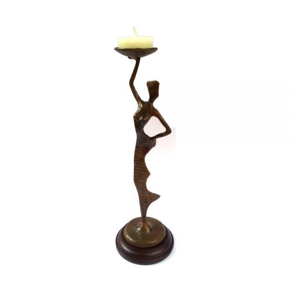 фигура свещник жена